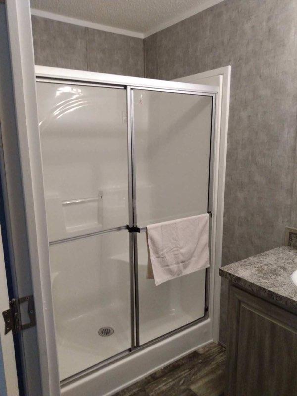 a bathroom at lake point motel
